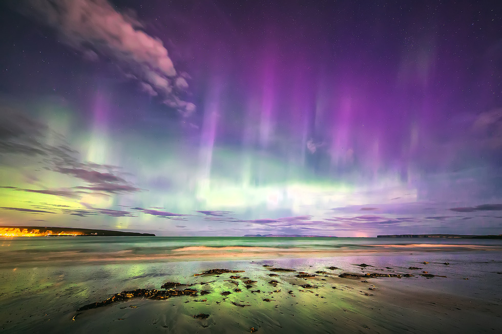 Caithness aurora with Hoy in the distance by Stewart Watt
